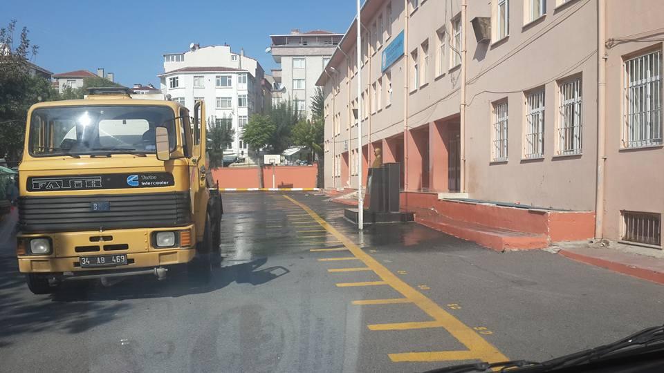 Avcılar Belediyesi Okul Bahçelerini Yıkadı (21)